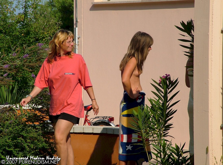Tags: FKK Club, Topless, Nudity, Youth, Nude Family Resort, Recreation